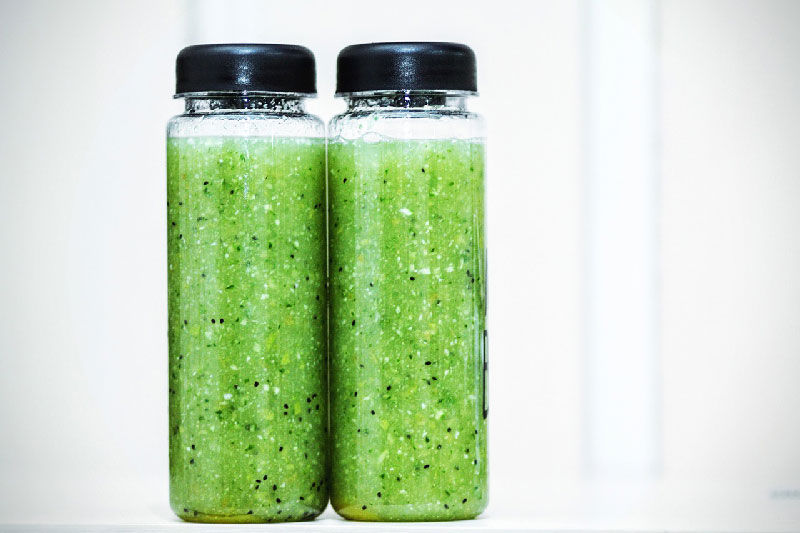 Should You Drink a Vegetable Juice Before Bed?